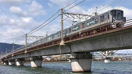 https://railf.jp/img/magazine/railwaylegacy/rf1712_096.jpg